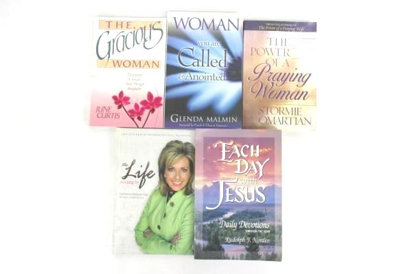 Lot 5 Women's Religious/Self Help Books The Gracious Woman Each Day With Jesus