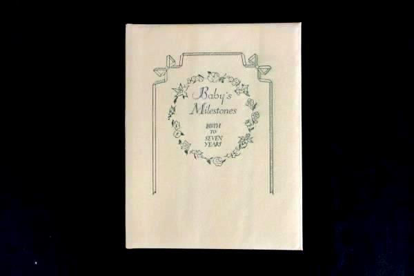 Vintage 1945 CR Gibson Baby's Milestones Book Photo Album Original Box