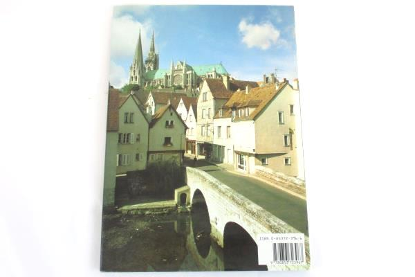 Chartres Cathedral by Malcom Miller, Sonia Halliday, Laura Lushington 1985 HC