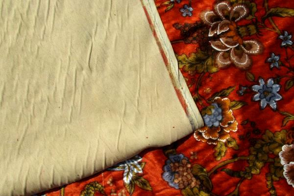 Vtg Quaker Fabric Corp. 1970's Upholstery Fabric Floral Burnt Orange 35'