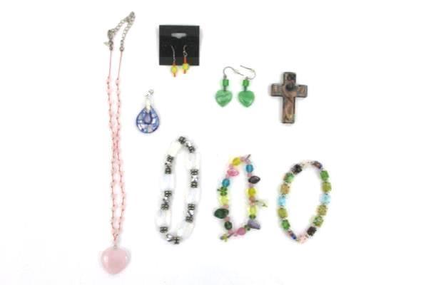 Costume Jewelry Lot Glass Beads Pendants Necklace Bracelet Earrings