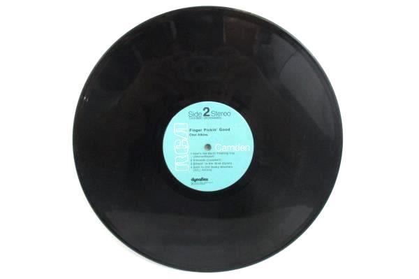 "Chet Atkins ""Finger Pickin' Good"" 1972 12"" Vinyl 33 RPM LP Record Country"