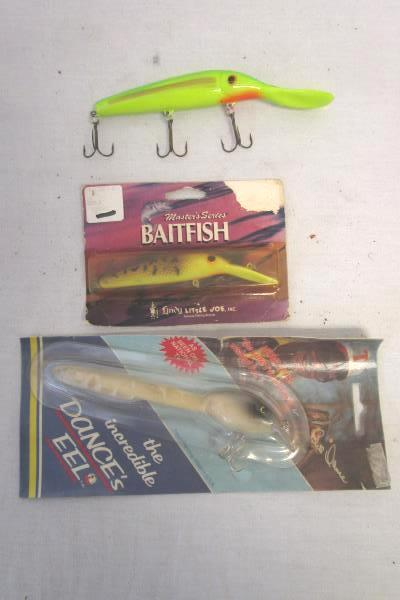 Lot Of 3 Large Tri-tip Fishing Hook Lures, Baitfish, Roger's, Dance's Eel, Etc