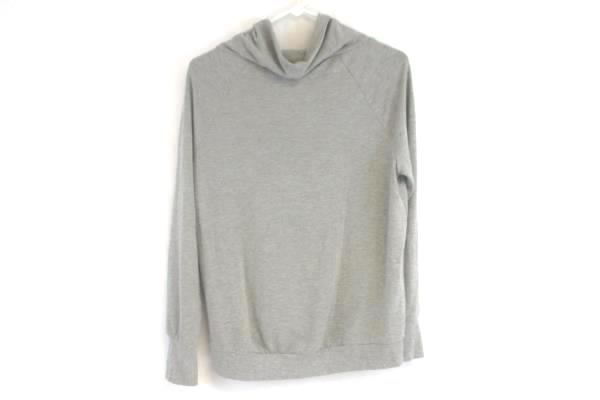 Well Worn Gray Turtle Neck Style Pullover Sweater Women's Size Small
