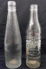 Lot of 2 Vintage Bottles, Delaware Punch Hawaii Pre-Statehood, United Vintner's