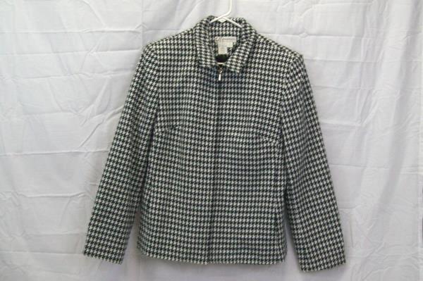 Dress Barn Women's Black & White Shoulder Pad Warm Zip Jacket Size 8
