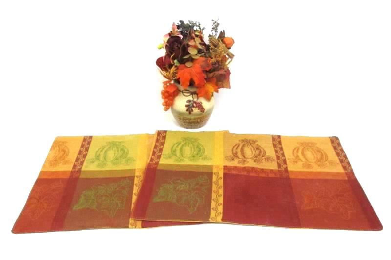 Fall Artificial Flower And Leaf Center Piece In A Ceramic Vase With 2 Placemats