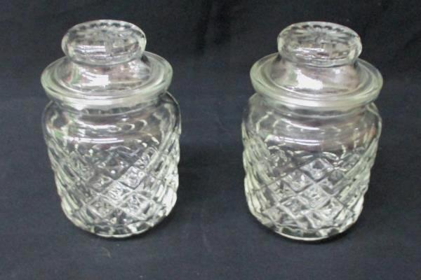 """Set of 2 Small Diamond Pattern Vintage Clear Jars w/ Lids 3.75"""" Tall"""