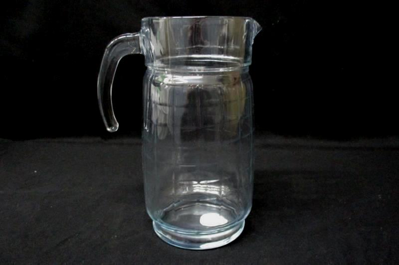 """Dash Of That Clear Glass Pitcher 9.25"""" Made In Turkey"""