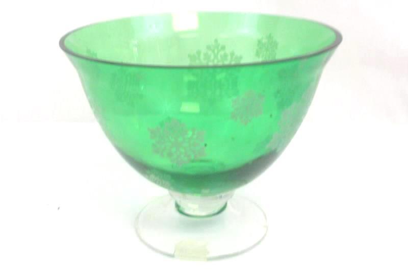 Green Christmas Dish Candy Bowl Snowflakes Holiday Decor