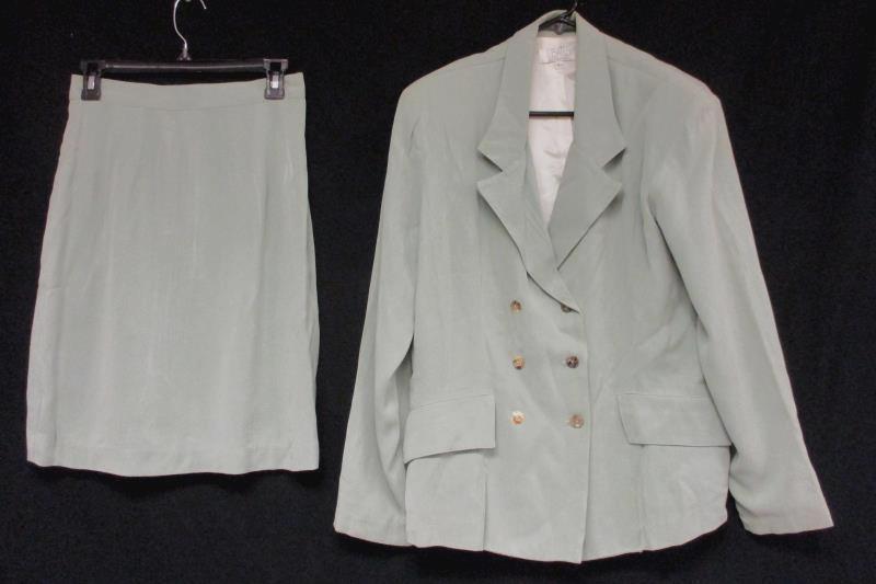Women's  L. Bates Light Green Coat Skirt Combo Size 6 for Skirt and Large Coat