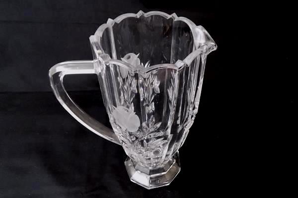 Crystal 1 Liter Tulip Bouquet Design Etched Scalloped Elegant Embellish Pitcher
