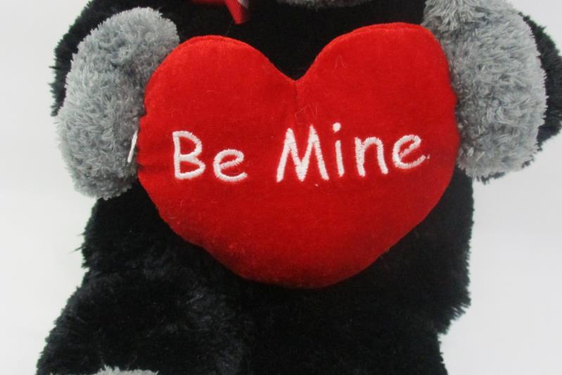Animal Adventure Gorilla Red Heart Valentine Plush Toy Black 2005 17 Inch