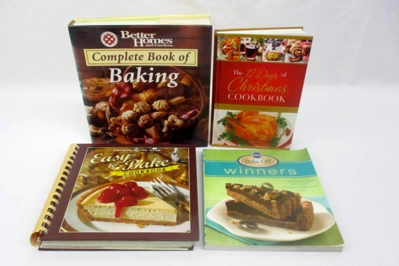 Lot of 4 Baking Cookbooks Pillsbury Better Homes and Gardens