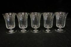 Set Of Five Wine Glasses Etched Frosted Circle And Leaf Design