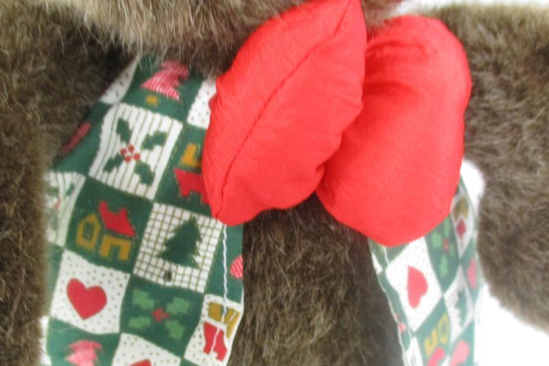 1996 Plush Moose Christmas Hearts International Silver Company Stuffed Animal