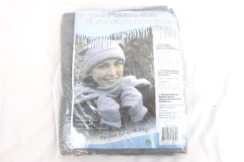 AI&E 3 Piece Fleece Set Gray Gloves Hat Scarf One Size Unisex Adult Sealed