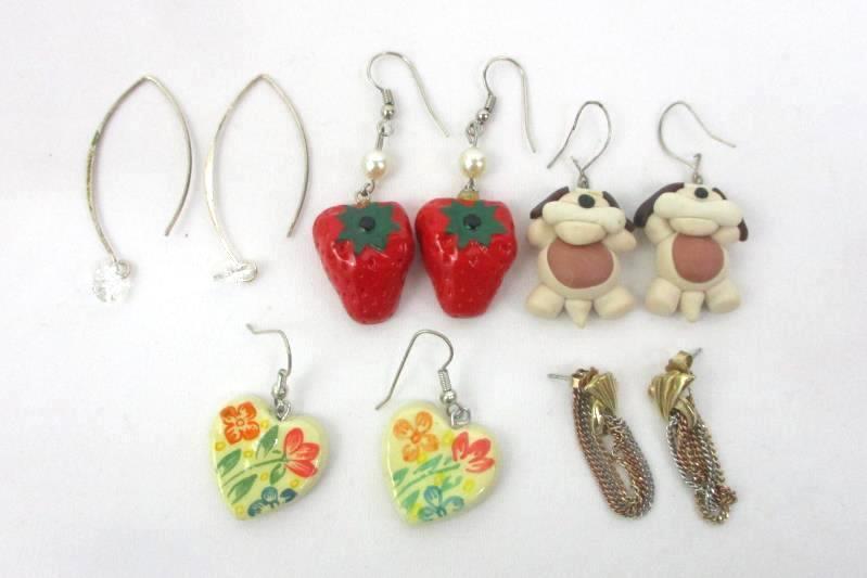 Box Of 13 Miscellaneous Jewelry Pendants Knickknacks Watch Earrings