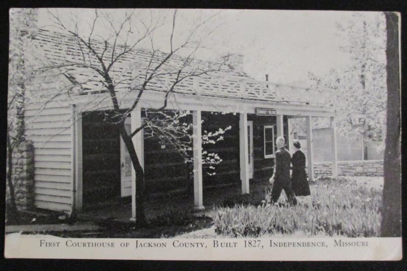 Vintage 1945 RPPC 1st Courthouse Jackson County MO 1ct Right Face Washington