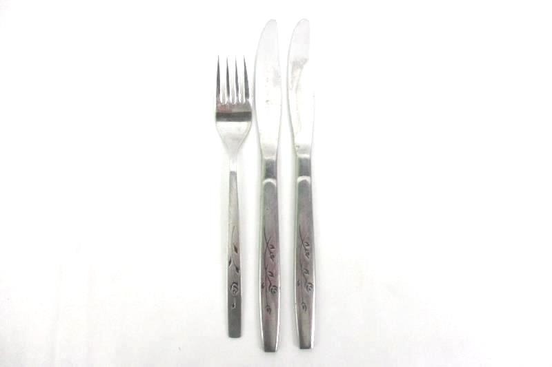 Vintage Regent Spring Breeze Stainless Replacement Pieces 2 Knives 1 Dinner Fork