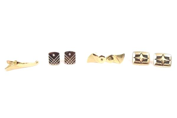 Lot of 3 Gold Tone Men's Cufflinks Plus Matching Tie Clip Elegant Fashion