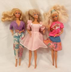 Lot of 3 Mattel 1966 and 1976 Blond Hair Blue Eyes Summer Barbie Dolls