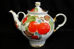 Large Vintage China Lidded Tea Pot Gold Trim Painted Apple Design 58P50K