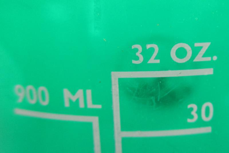 Lot of 2 Stansport Green Plastic Water Bottles Black Screw On Lid 17oz 32oz