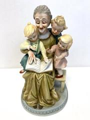 "Lefton ""Storytime with Grandma"" Porcelain Statue Figurine Hand Painted #4723"