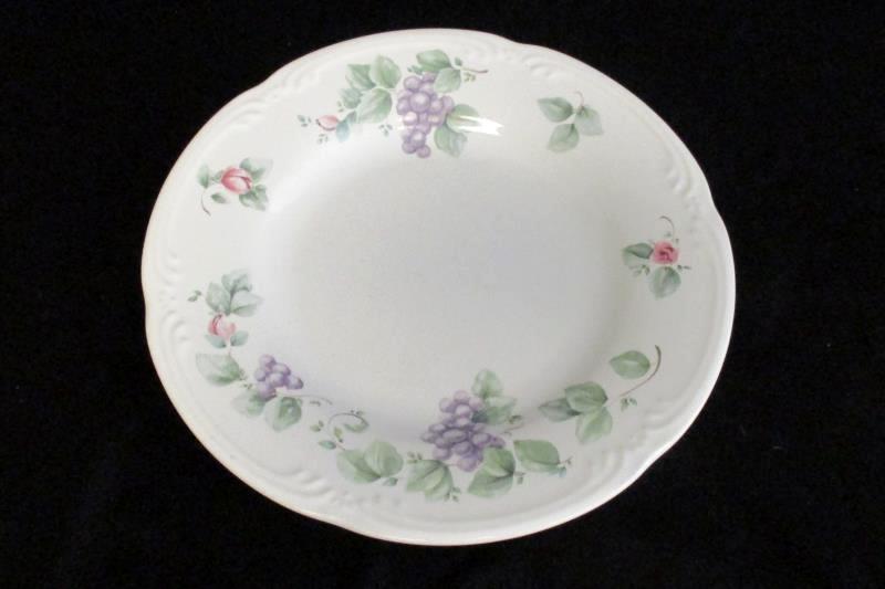 Pfaltzgraff Vintage Dessert Salad Plate 8 Inch Grapevine Pattern USA Replacement