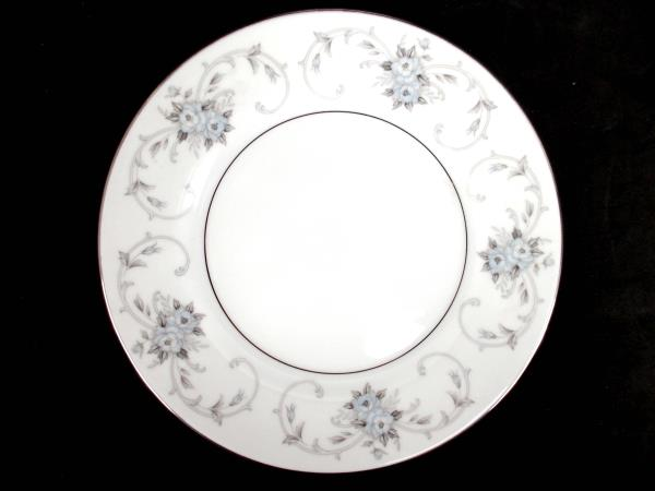 Salad Plates 2 Fruit Bowls 2 Japan Roses Replacements ~Fleurette by Empress #601