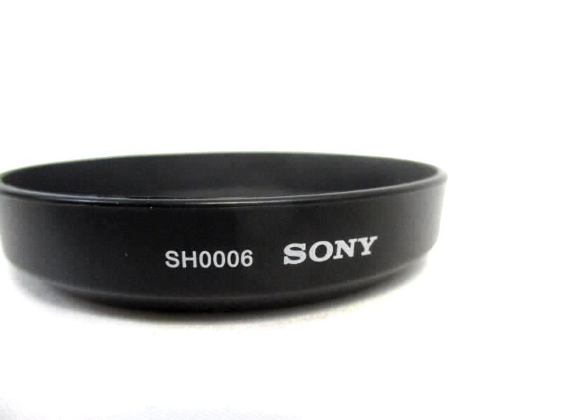 Sony ALC-SH0006 Lens Hood for SAL-1870 18-70mm f/3.5-5.6 Lens Black