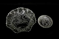 Lot of 2 Vintage Clear Cut Glass Saw Tooth Rim Fruit Design Serving Dish Bowls