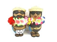 Beachcombers Coconut Claytoon Tourist Figurines 2005 Man and Woman Souvenir