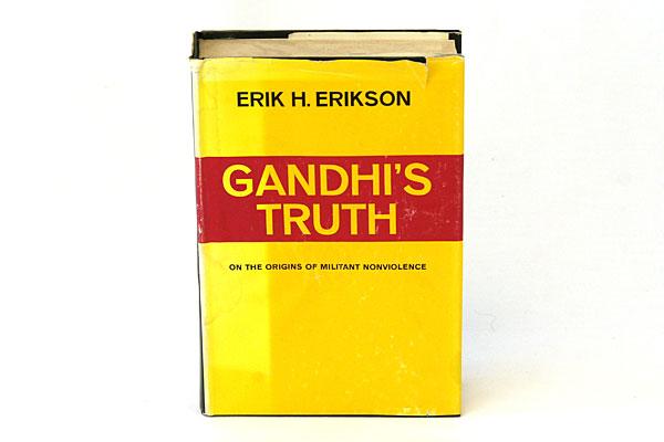 1969 Hardbound Book GANDHI'S TRUTH by Eric H. Erikson