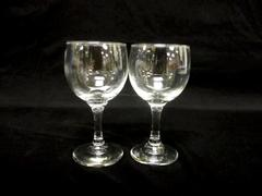 """Set of 2 Wine Glasses Clear With Stem 5.5"""" Tall Dinner Parties Dinner Friends"""