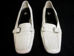 LifeStride Trigger White Loafers Flats Oxfords Shoes Buckle Square Toe Size 8.5M