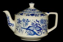 Sadler Blue Onion China Teapot England White Blue 5 Cup With Lid