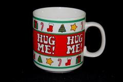 Vintage Papel Coffee Mug Cup Hug Me Giifts Christmas Red White Green