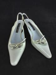 Women's Via Spiga White Leather Kitten Heel Sandals Point Toe Bow Slingback 9.5