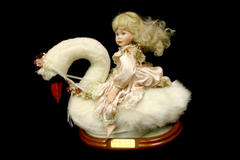 The Hamilton Collection The Swan Princess By Phyllis Parkins Doll Collectible
