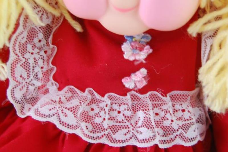 Vintage The Praise Doll 1983 Yellow Yarn Hair Cloth Red Dress Sings Jesus Glad