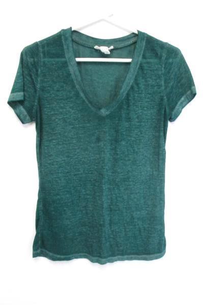 Comfortable Lularoe Leggings OS w/ Forever 21 Small Emerald Green V Neck Tee