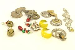 Lot of 8 COSTUME EARRINGS Mixed Jewelry Silver Gold Tone Gaudy Chunky 90's