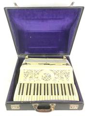 Vintage Rio Accordion 39 Key 120 Button Mother of Pearl Gold Italy in Case