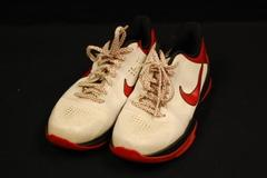 Nike Zoom Kobe V Low Top Sneakers White Varsity Red Black Size 7Y