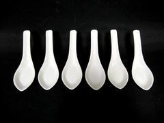 Lot of 6 Porcelain Chinese Style Soup Spoons White Wonton Ramen Noodle Reusable