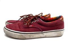VANS Burgundy Canvas Skate Shoes Accent Tongue Mens 7.5 / Womens 9