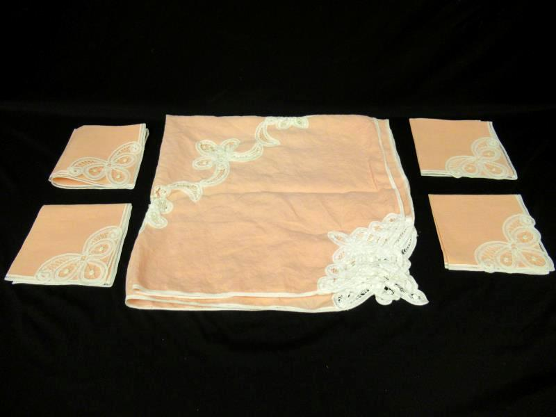 Vintage Pink Small Square Table Cloth With Four Matching Napkins White Trim