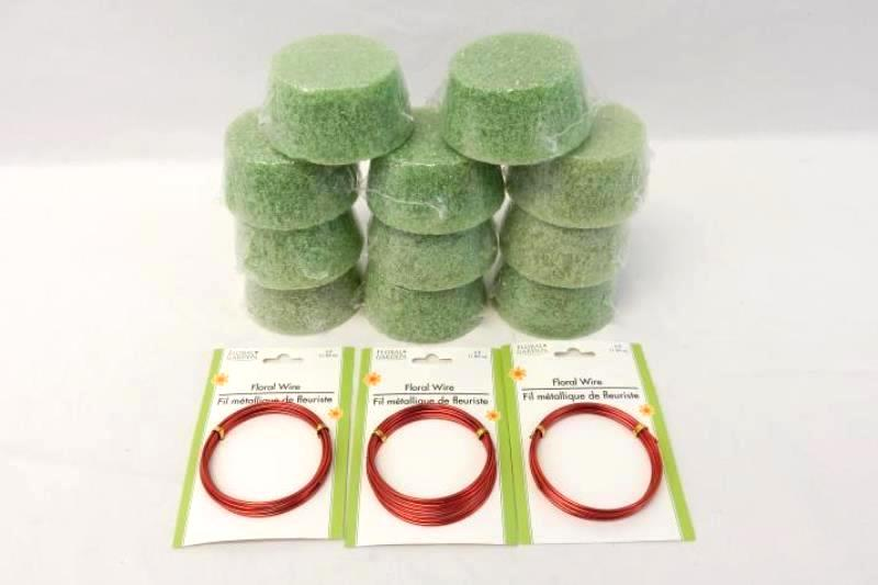 Lot of 14 Floral Craft Supplies Crafting Foam 3.8in x 2.8in x 1.9in Wire Red